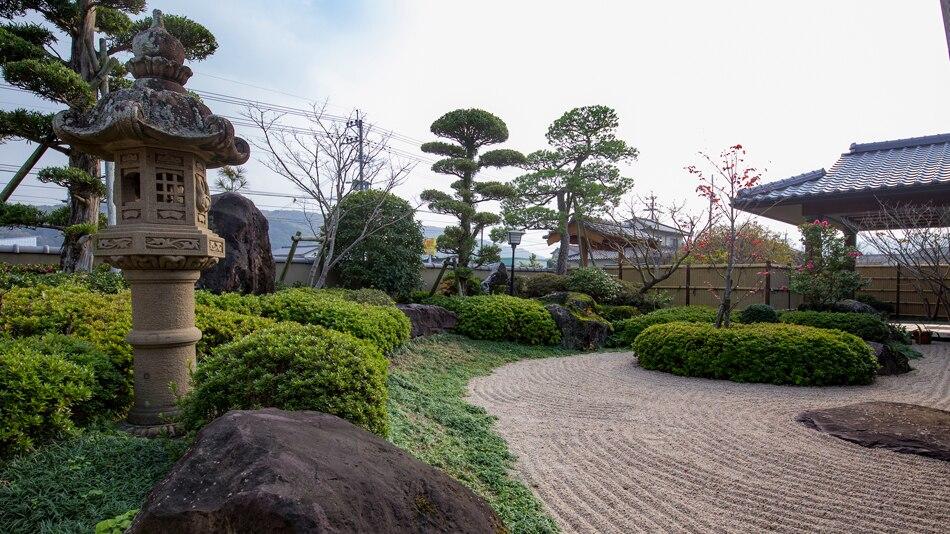 三國屋 庭園